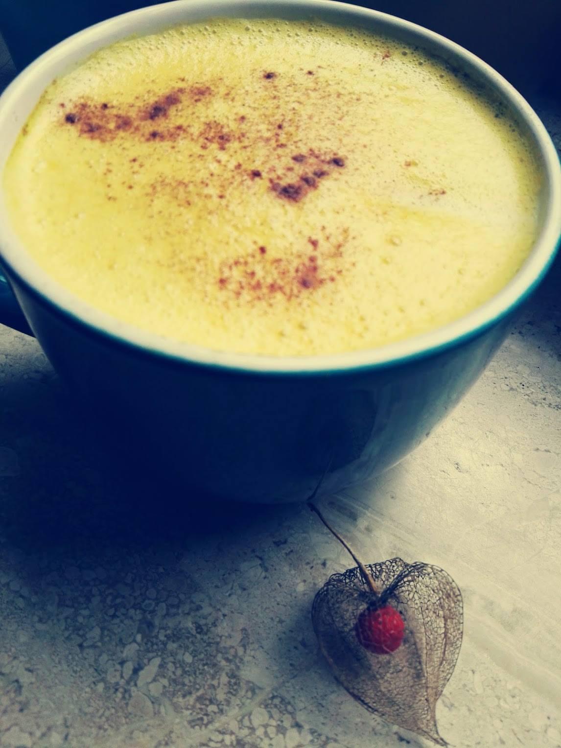 Goldene Milch – perfekt nach einem stressigen Tag!