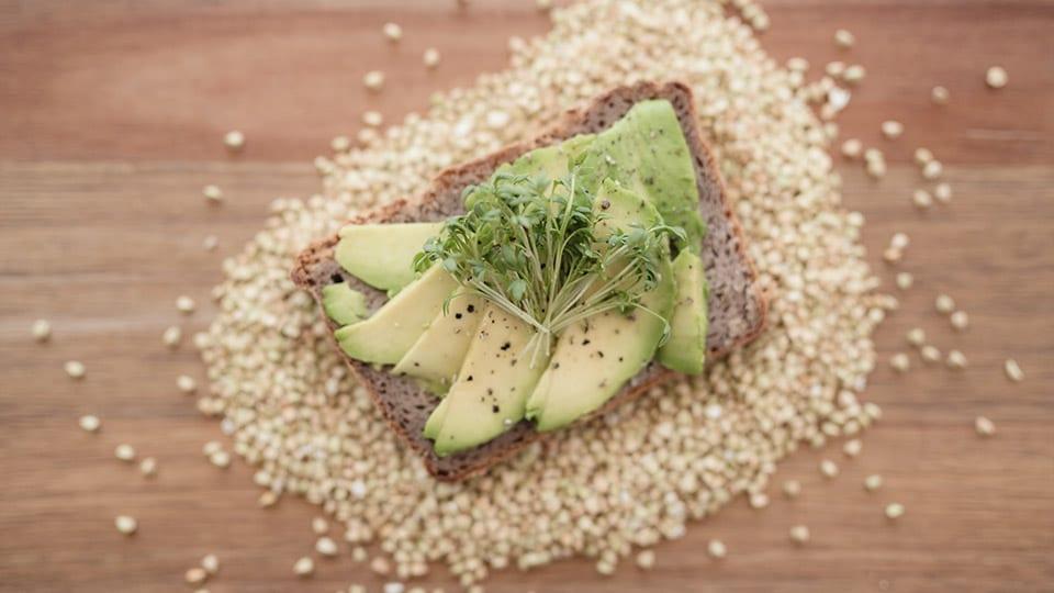 Brot aus 100% Buchweizenmehl –vegan, glutenfrei und gesund