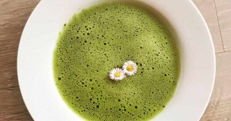 Meine Neun – Kräuter – Suppe vegan, lecker und vitalisierend