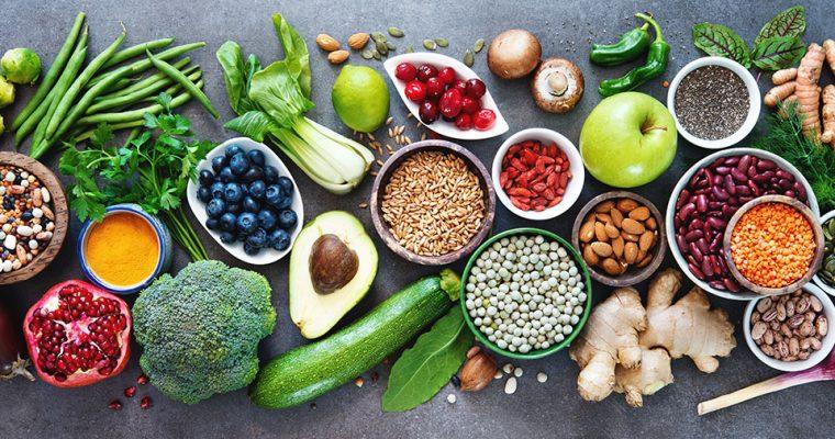 Gesund abnehmen – diese 10 natürlichen Lebensmittel helfen