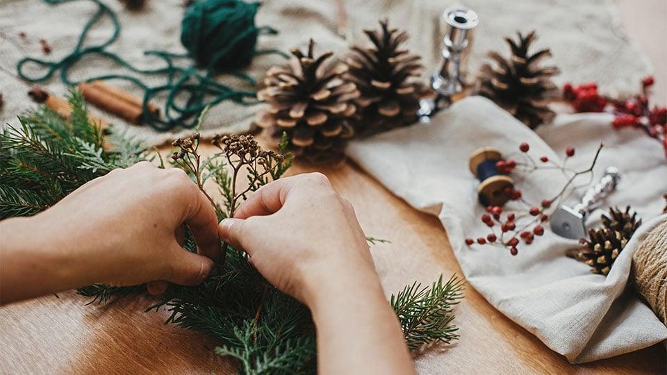 Natürliche Adventsdeko aus dem Garten und aus dem Wald