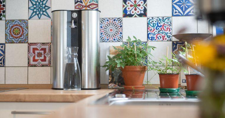 Futomat Wasserquelle für professionell gefiltertes Trinkwasser von der Natur inspiriert