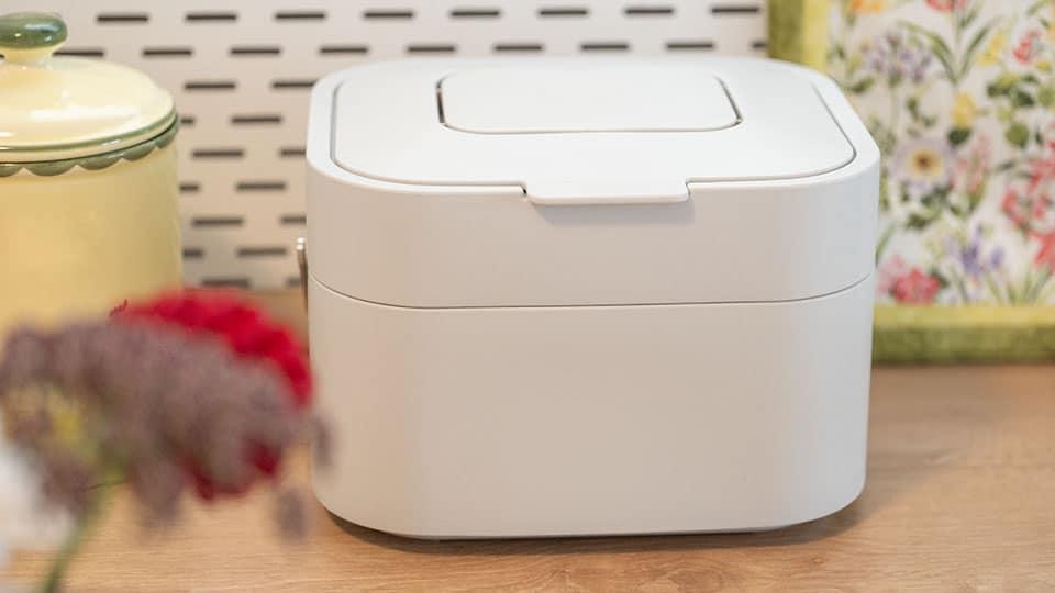 Abfälle geruchlos und ohne Fruchtfliegen lagern – kompakter Küchen-Komposteimer