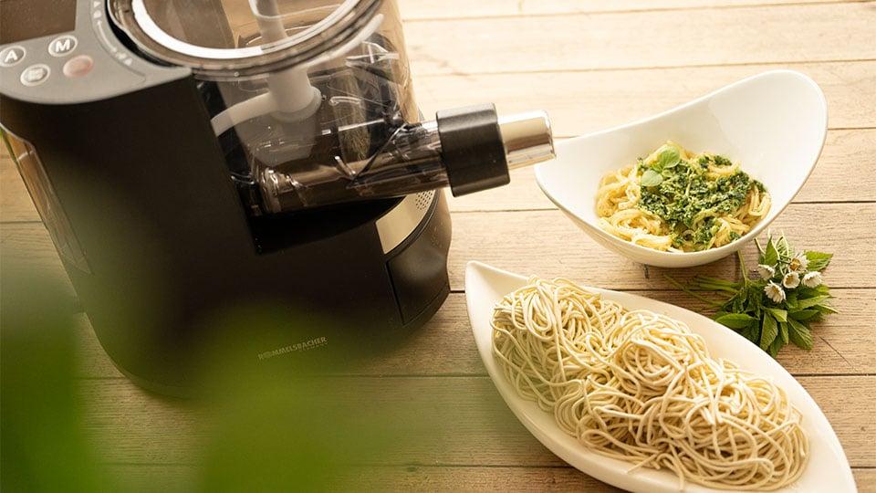 Selbstgemachte Pasta mit der Nudelmaschine von Rommelsbacher
