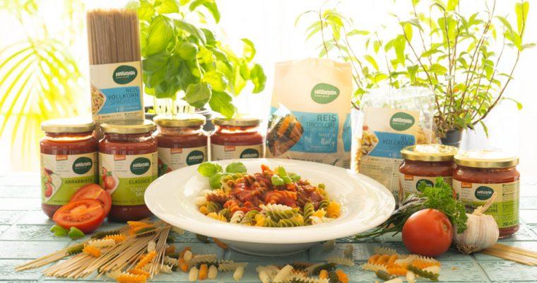 Nudelparty mit leckerer Pasta und Tomatensoßen von Naturata