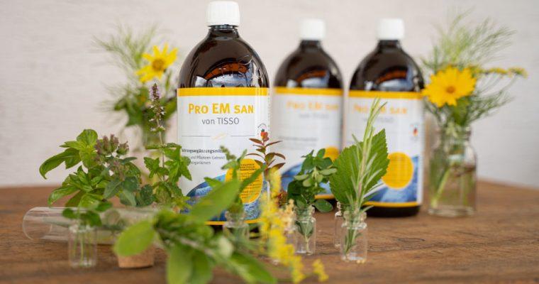 Der Pro EM san Kräuter- und Pflanzenextrakt mit Mikroorganismen