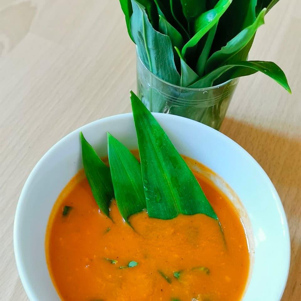 Rezept für eine Tomatensuppe mit Bärlauch