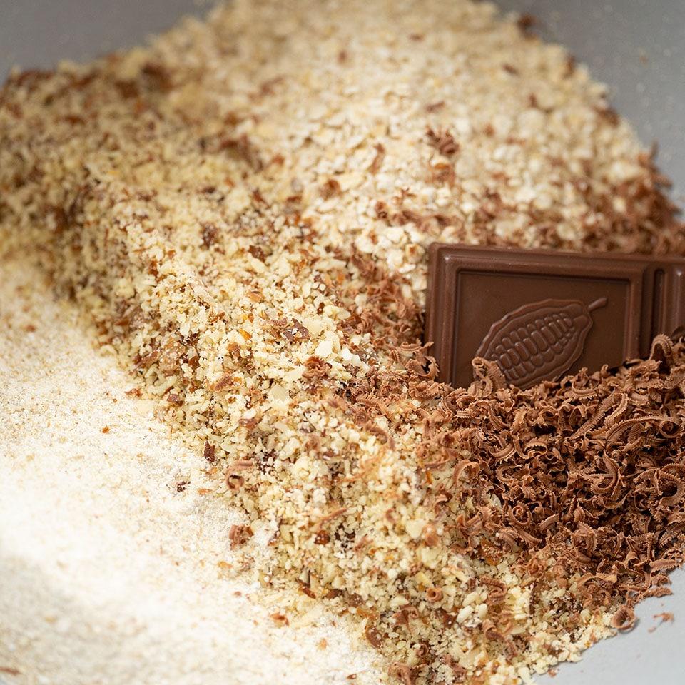 Die Zutaten für den Schokokuchen mit Naturate Schokolade